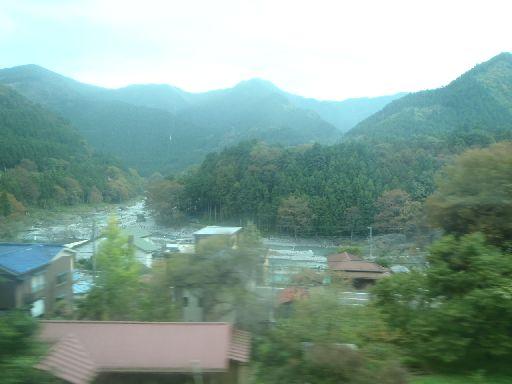 ↑青梅線・普通列車の車窓から/[0403] 川井→御嶽。 ↑青梅線・普通... 車窓探訪 ~【日